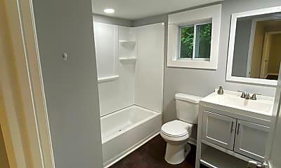 Bathroom, 604 Lester Rd, 2