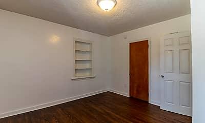 Bedroom, 362 E Irvin Ave, 2