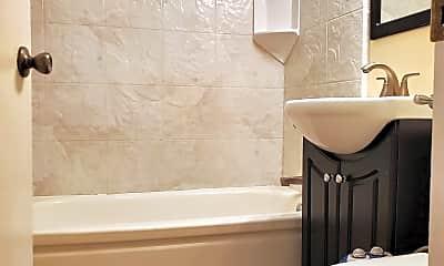 Bathroom, 3014 Fruitvale Ave, 2