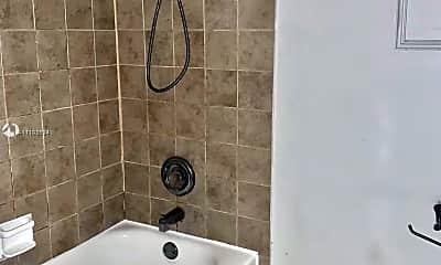 Bathroom, 4354 NW 9th Ave 14-2C, 2