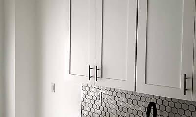 Bathroom, 1511 Dekalb Ave, 2
