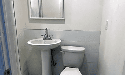 Bathroom, 517 N 35th St, 1