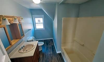 Bathroom, 28 Walnut Ave, 2