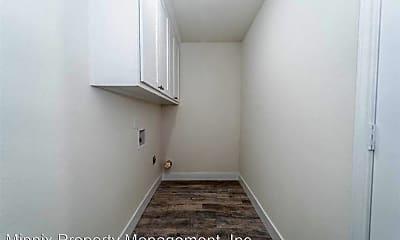 Bathroom, 1519 E 14th St, 2