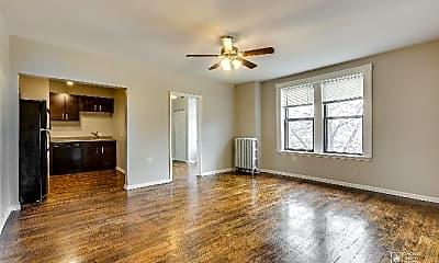 Living Room, 7301 N Sheridan Rd, 1