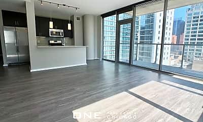 Living Room, 117 N Des Plaines St, 0