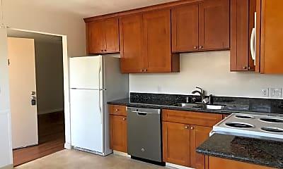 Kitchen, 445 Firloch Ave 4, 1