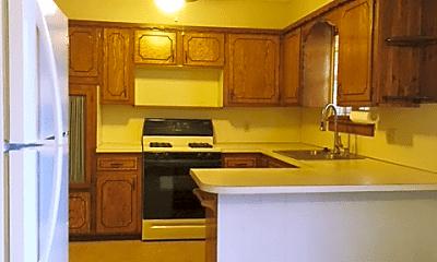 Kitchen, 717 W 7th St, 1