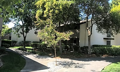 Chautauqua Apartments, 1