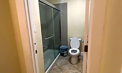 Bathroom, 739 Garland Ave, 1