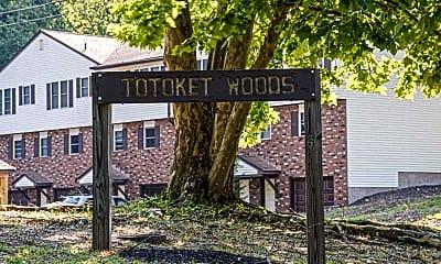 Community Signage, Totoket Woods Condominiums, 2