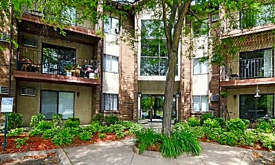 Landscaping, Cedar Hills Apartments, 0