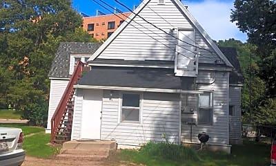 Building, 908 S Farwell St, 1