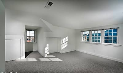 Living Room, 208 Metcalf St 300, 1