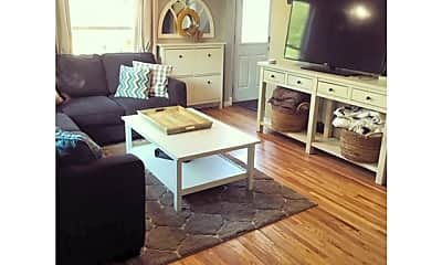 Living Room, 7609 Edgebrook Dr, 1