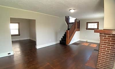 Living Room, 513 W Fairview Ave, 1