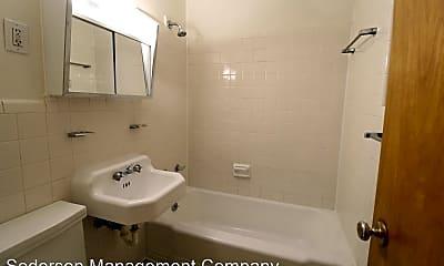 Bathroom, 1502 W 47th St, 2