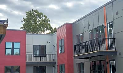 Courtyard, Yardley, 2