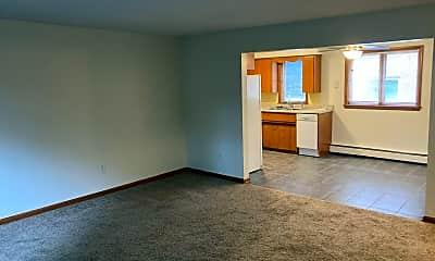 Living Room, 5008 Ingersoll Ave, 2