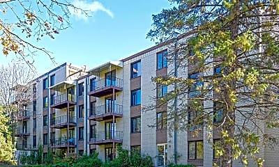 Building, Interlachen Court, 0