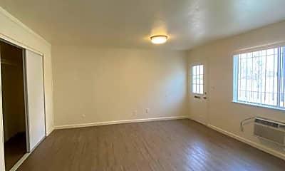Living Room, 415 N Manila Ave, 2