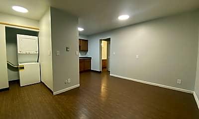 Living Room, 500 Cedar St NE, 1