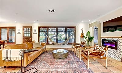Living Room, 1313 S 15th St, 1