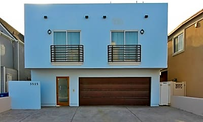 Living Room, 3525 Ocean Dr, 1