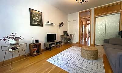 Living Room, 929 Lorimer St, 1
