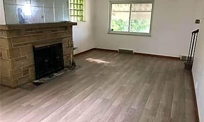 Living Room, 7145 Wiltsie St, 1