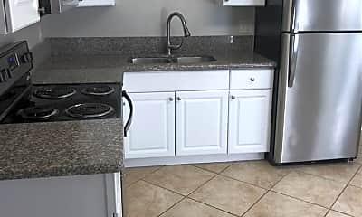 Kitchen, 1914 Jersey Ave 6, 1