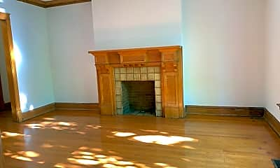 Bedroom, 3953 N Hamilton Ave, 1