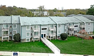 Lakeview Apartments of Farmington Hills, 2