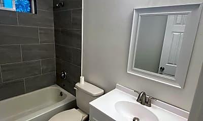 Bathroom, 3320 SE 134th Ave, 2