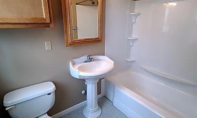 Bathroom, 115 W Spruce St, 2