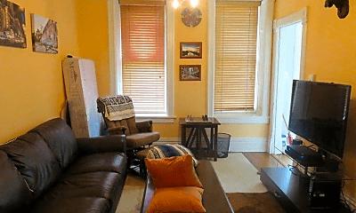 Living Room, 1623 N Hermitage Ave, 0