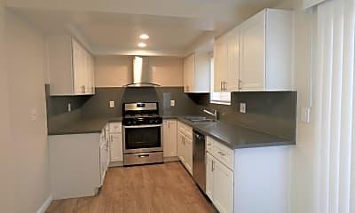 Kitchen, 11102 Maple St, 1