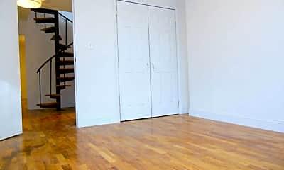 Living Room, 150 Degraw St, 2