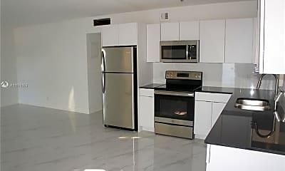 Kitchen, 2140 NE 56th St 56 12, 1