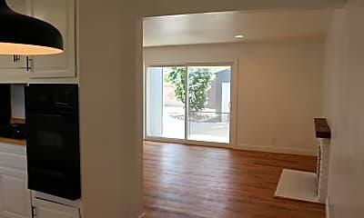 Living Room, 8412 Talbert Ave, 2