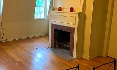 Living Room, 5711 Howe St, 0