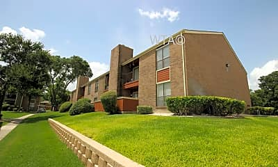 Building, 550 Heimer Rd, 2