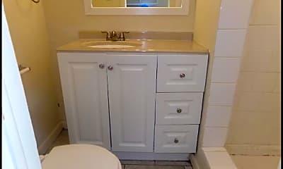 Bathroom, 3515 Green Drive, 2