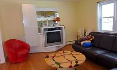 Living Room, 308 S Lincoln Ave, 1