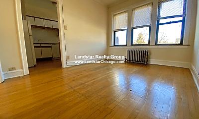 Living Room, 4539 N Leavitt St, 0