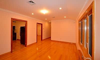 Bedroom, 84-31 Daniels St, 2