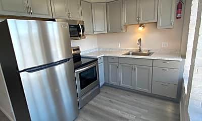 Kitchen, 2808 Hoyt Ave, 1