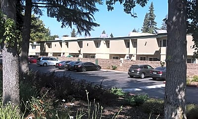 Mutual Housing at River Garden, 2