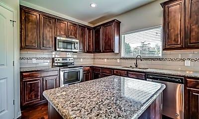 Kitchen, 4604 Woodlawn Rd, 2