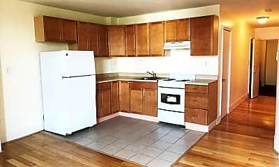 Kitchen, 210 Maverick St, 0